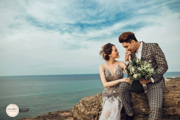Huy Nam ngọt ngào hôn bà xã trong ảnh cưới đẹp như mơ - Ảnh 2.