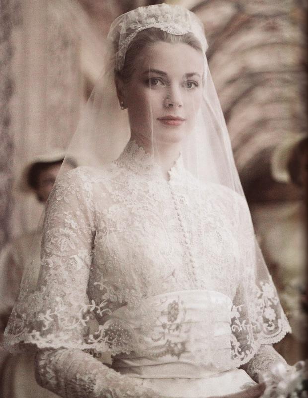 Bạn có nhận ra váy cưới của Hoa hậu Thu Thảo giống váy cưới của Công nương Grace Kelly đến bất ngờ? - Ảnh 8.