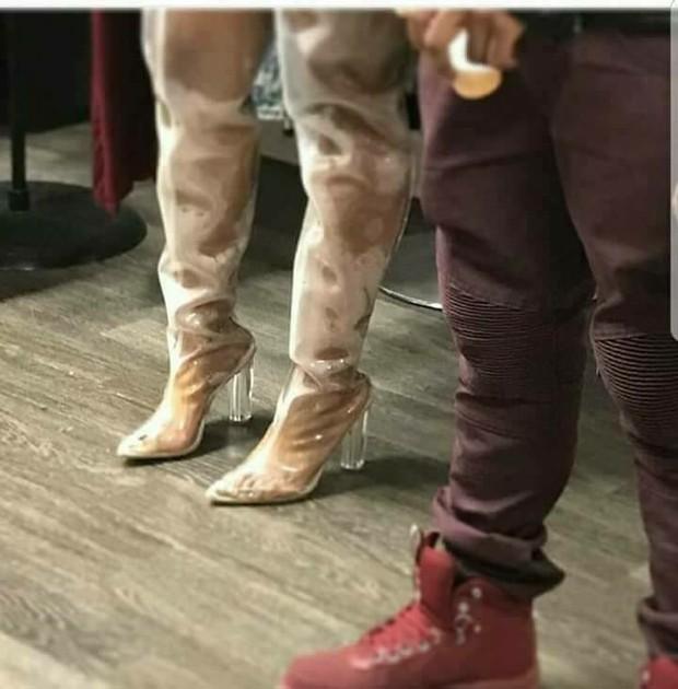Các cô nàng đú đởn diện boots trong suốt giống Kim và nhận ra sự thật bốc mùi - Ảnh 11.