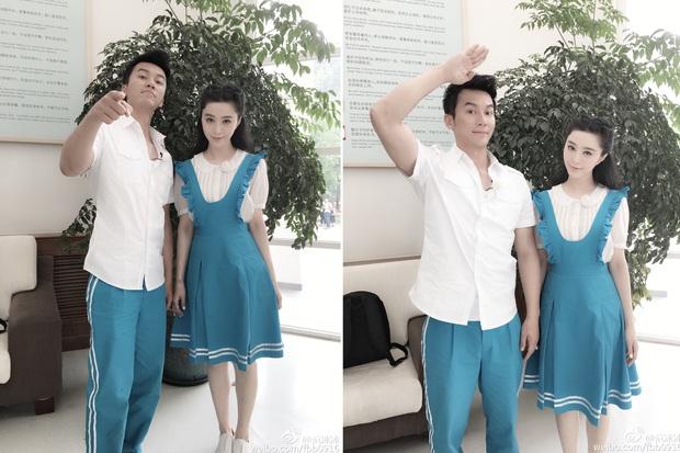 """Không những đẹp đôi, 4 cặp sao Hoa ngữ này còn có gu thời trang """"tình như cái bình"""" khiến dân tình phải xuýt xoa - Ảnh 9."""
