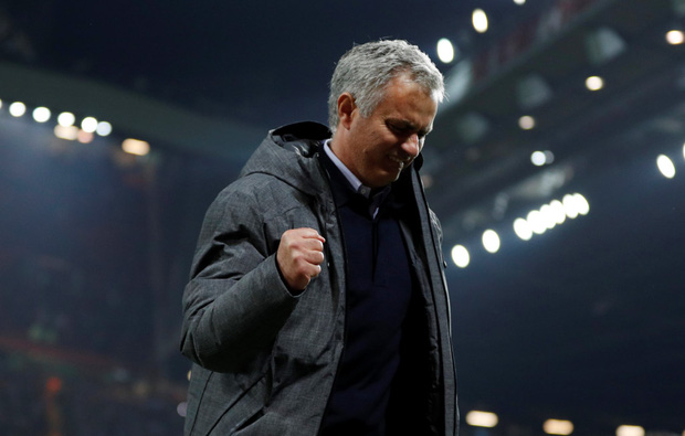 Mourinho ăn mừng như muốn khóc vì tấm vé chung kết - Ảnh 8.