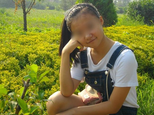 Cô bé 15 tuổi mang thai với cậu bạn cùng trường và nguyên nhân khiến người mẹ trẻ phải đau lòng - Ảnh 1.