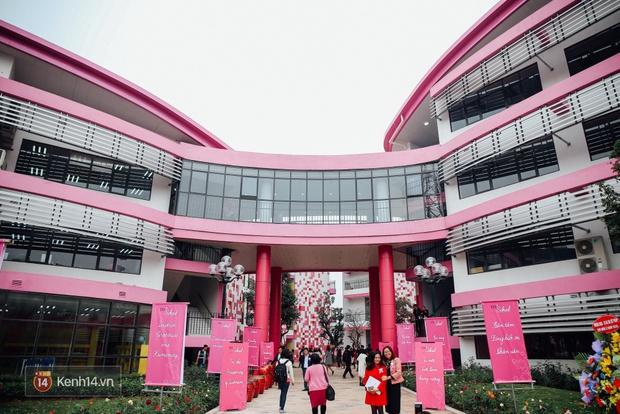 Du học tại chỗ ở Hà Nội tại ngôi trường mới toanh, sang xịn và toàn màu hồng! - Ảnh 4.
