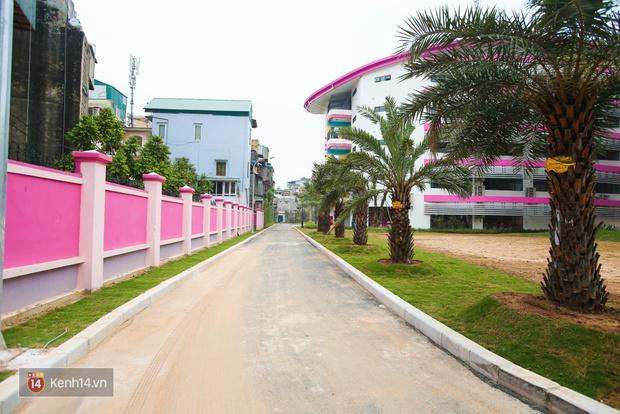 Du học tại chỗ ở Hà Nội tại ngôi trường mới toanh, sang xịn và toàn màu hồng! - Ảnh 7.