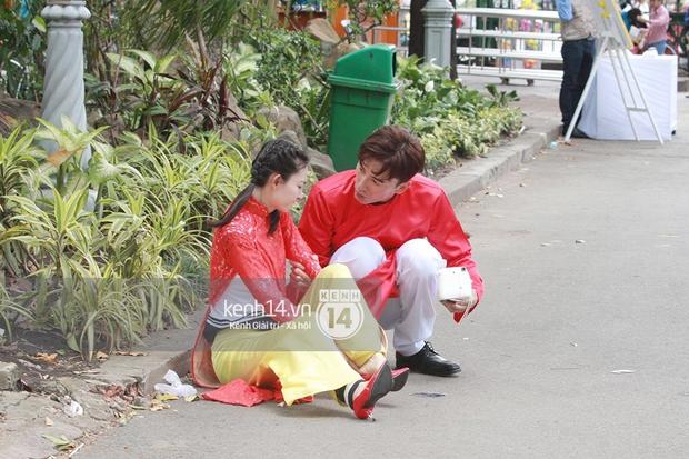 Amazing Race Trung Quốc tại Việt Nam: Vương Lệ Khôn - Trịnh Nguyên Sướng mặc áo dài, kiệt sức dưới trời nắng - Ảnh 3.