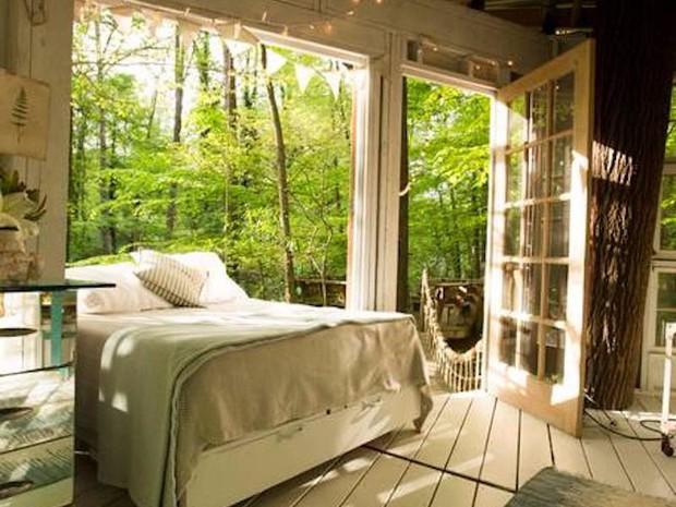 Bên trong ngôi nhà trên cây mộng mơ đang gây sốt trên Airbnb, hàng trăm nghìn người muốn được tới thăm một lần - Ảnh 5.