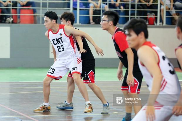 Clip hé lộ từ phim trường quay Glee bản Việt: Rocker Nguyễn và Hữu Vi đấu bóng rổ, ai xuất sắc hơn? - Ảnh 3.