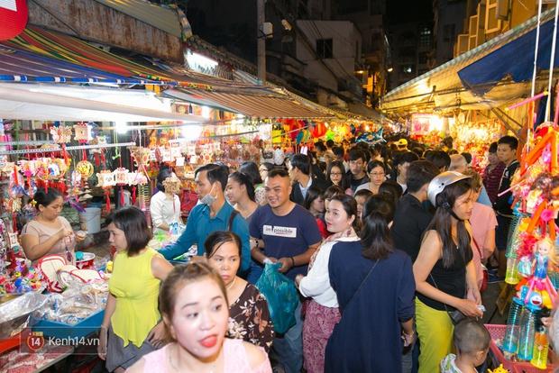 Trung thu vẫn như mọi khi, Hà Nội vui nhất Hàng Mã, Sài Gòn đông nhất phố người Hoa! - Ảnh 14.