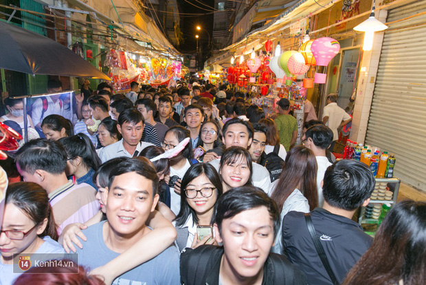 Trung thu vẫn như mọi khi, Hà Nội vui nhất Hàng Mã, Sài Gòn đông nhất phố người Hoa! - Ảnh 13.