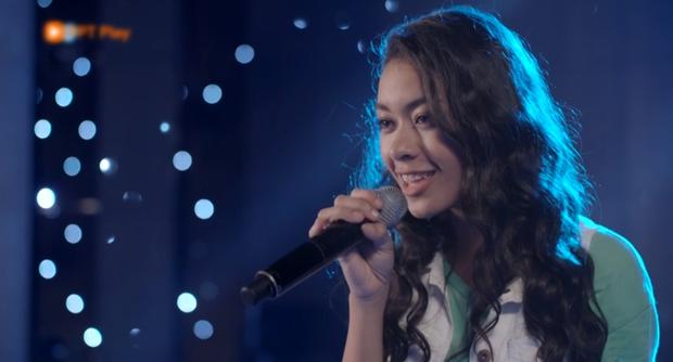 Glee Việt tập 1 mở màn với nụ hôn cháy bỏng giữa Rocker và Angela Phương Trinh - Ảnh 7.