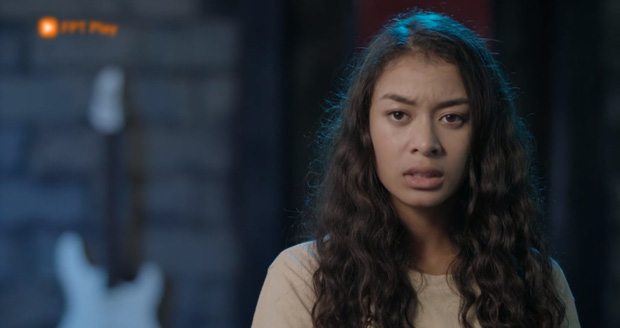 Glee Việt tập 1 mở màn với nụ hôn cháy bỏng giữa Rocker và Angela Phương Trinh - Ảnh 8.