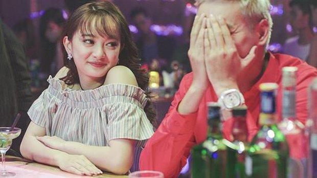 """""""Em chưa 18"""": Màn ra quân đẹp mắt của hotgirl hay sự """"hồi xuân"""" dễ thương của những lão già - Ảnh 2."""