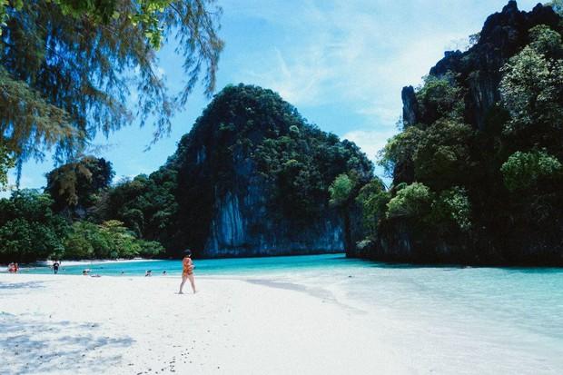 Ngay gần Việt Nam có 5 bãi biển thiên đường đẹp nhường này, không đi thì tiếc lắm! - Ảnh 3.