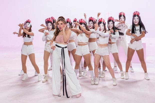 Trang Pháp mời hội anh chị em đình đám showbiz góp mặt trong MV của ca khúc hay nhất từ trước đến nay - Ảnh 13.