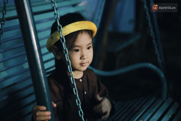 Vui như Trung thu 1992 ở Sài Gòn: Con nít cùng bố mẹ quậy tưng trước khoảng sân treo đầy lồng đèn ông sao - Ảnh 8.