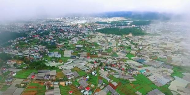 Suốt ngày đi Thái, đi Hàn, bạn có đang bỏ lỡ một Việt Nam đẹp xuất sắc như trong clip? - Ảnh 3.