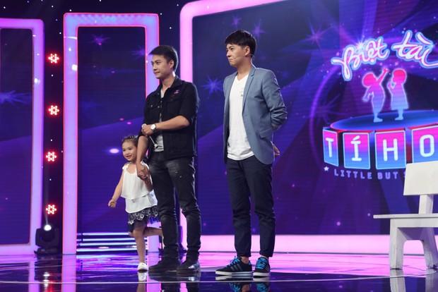 Bé 5 tuổi hát Anh cứ đi đi cực đau khổ rồi hồn nhiên nói chẳng biết cô Hari Won là ai - Ảnh 6.