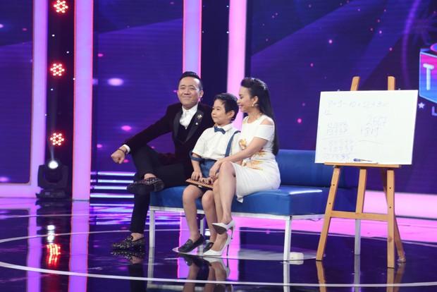 Bé 5 tuổi hát Anh cứ đi đi cực đau khổ rồi hồn nhiên nói chẳng biết cô Hari Won là ai - Ảnh 11.