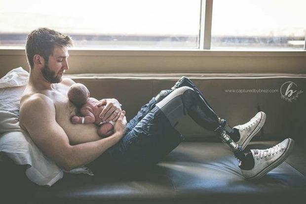 18 khoảnh khắc tình như cái bình giữa bố và con - Ảnh 19.