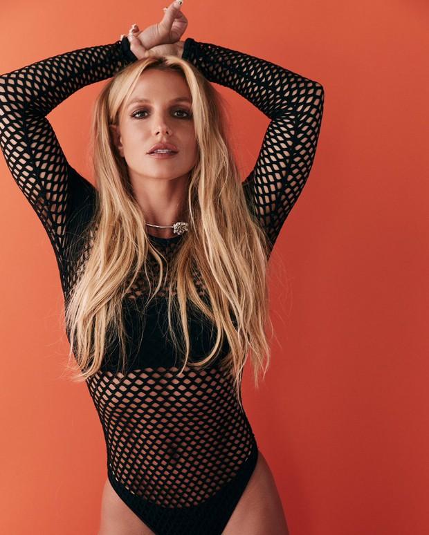 Britney Spears âm thầm theo dõi fanpage của Sơn Tùng tại Brazil - Ảnh 3.