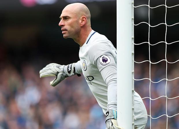 Tottenham vấp ngã trong cuộc đua vô địch vì thủ thành West Ham - Ảnh 4.