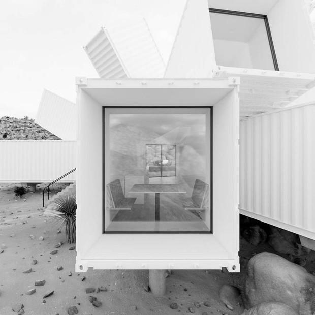 Kiến trúc sư xây nhà tuyệt đẹp giữa sa mạc chỉ bằng container - Ảnh 3.