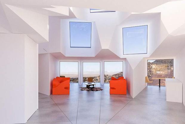 Kiến trúc sư xây nhà tuyệt đẹp giữa sa mạc chỉ bằng container - Ảnh 9.