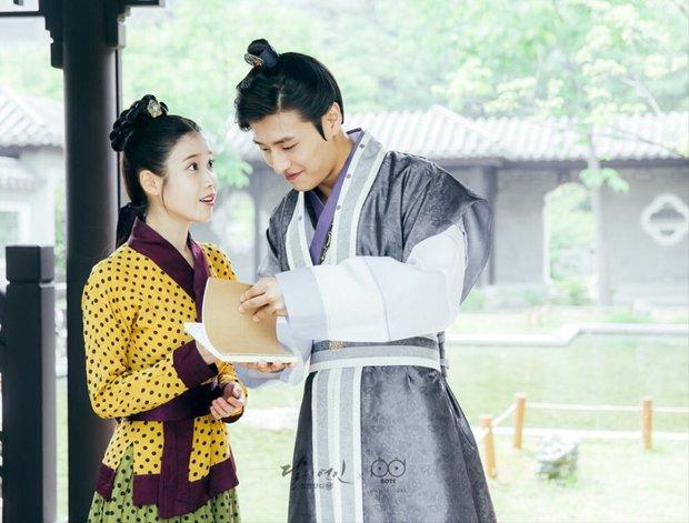 Lộ ảnh được cho là bằng chứng cặp đôi Người tình ánh trăng Kang Ha Neul và IU đang hẹn hò - Ảnh 4.