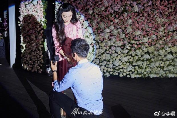HOT: Phạm Băng Băng rơi nước mắt khi được Lý Thần cầu hôn trong ngày sinh nhật tuổi 36 - Ảnh 5.