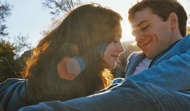 Đáng tiếc nhất là khi nhìn lại, nhận ra mình đã bỏ lỡ cơ hội để được yêu thương - Ảnh 1.