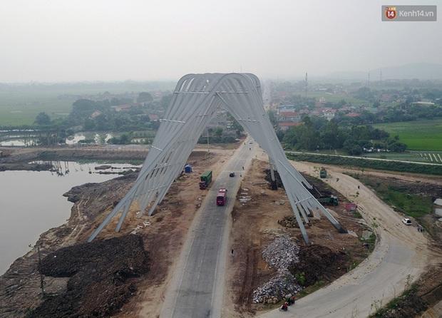 Clip: Cổng chào hoành tráng gần 200 tỷ đồng của tỉnh Quảng Ninh nhìn từ trên cao - Ảnh 2.
