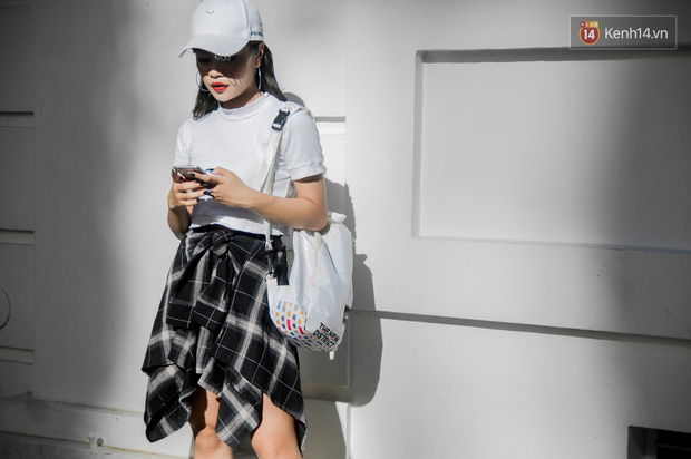 Trời dần vào thu, street style của giới trẻ Việt cũng đa dạng và chất hơn hẳn - Ảnh 2.