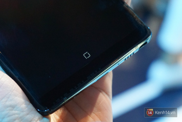 Trên tay Samsung Galaxy Note8 vừa ra mắt tại Việt Nam: Thiết kế rất ấn tượng, giá 22,5 triệu đồng! - Ảnh 14.