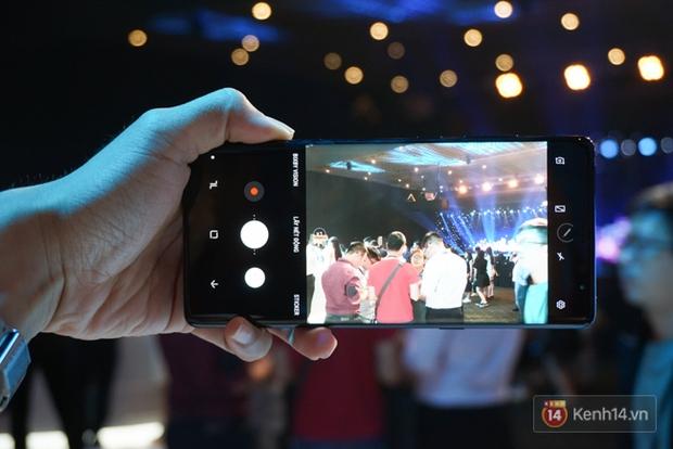 Trên tay Samsung Galaxy Note8 vừa ra mắt tại Việt Nam: Thiết kế rất ấn tượng, giá 22,5 triệu đồng! - Ảnh 12.