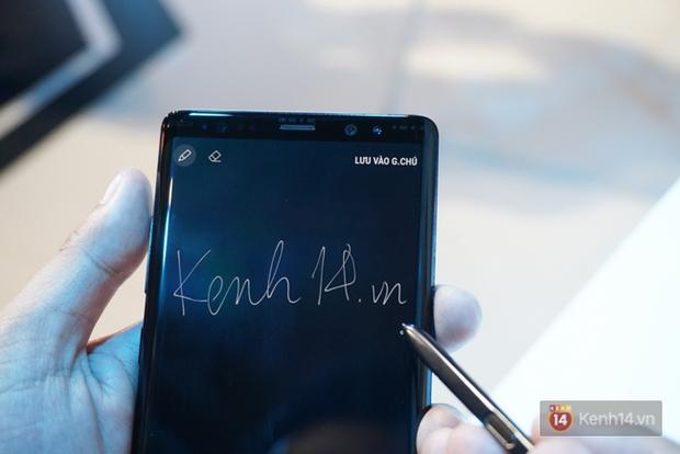 Trên tay Samsung Galaxy Note8 vừa ra mắt tại Việt Nam: Thiết kế rất ấn tượng, giá 22,5 triệu đồng! - Ảnh 7.