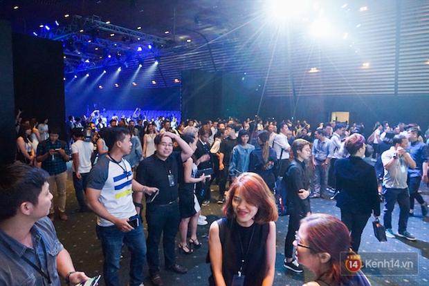 Những khoảnh khắc ấn tượng nhất diễn ra tại sự kiện ra mắt Galaxy S8 ở Việt Nam - Ảnh 2.