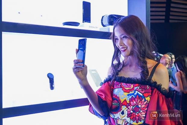 Những khoảnh khắc ấn tượng nhất diễn ra tại sự kiện ra mắt Galaxy S8 ở Việt Nam - Ảnh 10.
