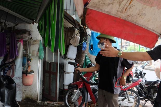 3 bệnh nhân tử vong do sốt xuất huyết, người dân và sinh viên ở Hà Nội cuống cuồng lo chống dịch - Ảnh 2.