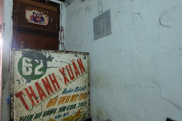 Thanh xuân của đời người trôi qua chớp mắt, nhưng thanh xuân của quán hủ tiếu này thì 70 năm vẫn mê hoặc người Sài Gòn - Ảnh 10.