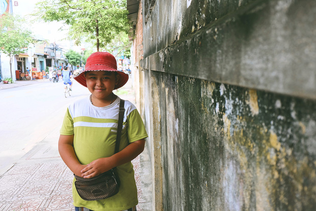 Ngày hè đẹp nhất của tụi con nít nhà nghèo: Bán sen, bán chè nhưng vui biết bao vì đỡ đần được cha mẹ - Ảnh 11.