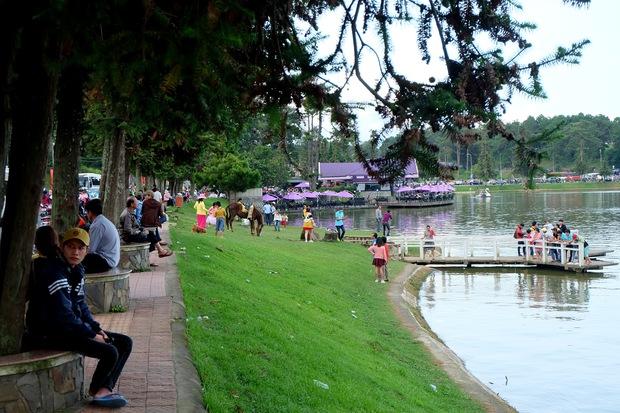 Đà Lạt: Quảng trường Lâm Viên tấp nập du khách dịp nghỉ lễ Quốc khánh - Ảnh 12.