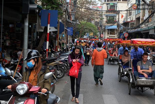 Sau Sài Gòn, Hà Nội ra quân giành lại vỉa hè cho người đi bộ - Ảnh 10.