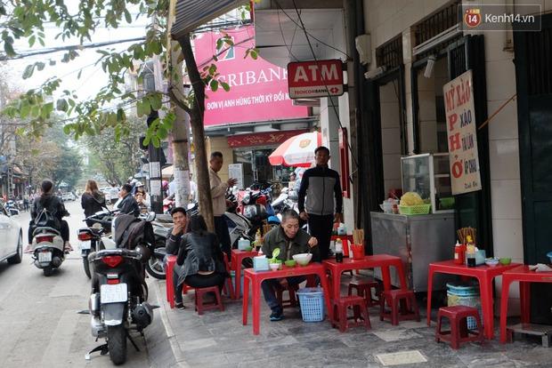 Sau Sài Gòn, Hà Nội ra quân giành lại vỉa hè cho người đi bộ - Ảnh 13.