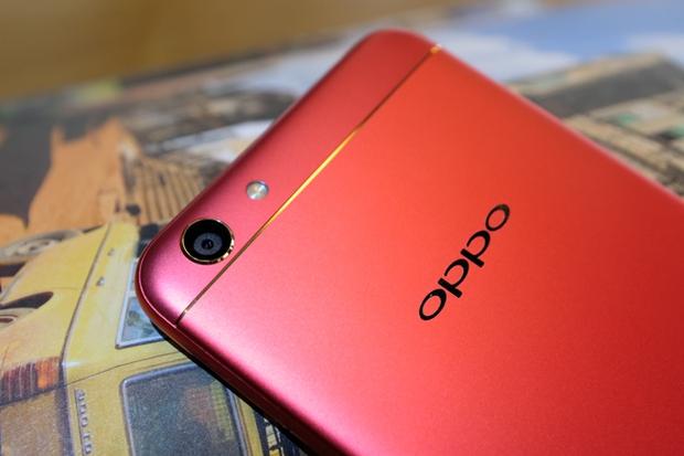 Trên tay OPPO F3 phiên bản Đỏ Đam Mê: màu sắc mới nổi bật, cấu hình và giá không đổi - Ảnh 12.
