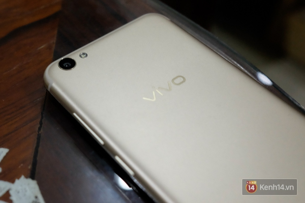 Đánh giá Vivo V5s: Thiết kế đẹp, cấu hình ổn, camera selfie 20 MP ấn tượng - Ảnh 3.