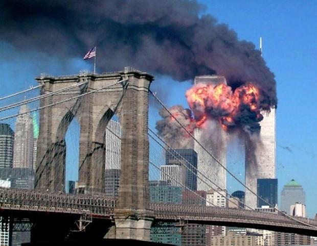 Dù đã 16 năm trôi qua thế nhưng câu chuyện về những nhân vật anh hùng trong vụ khủng bố 11/9 vẫn khiến hàng triệu người bật khóc - Ảnh 12.