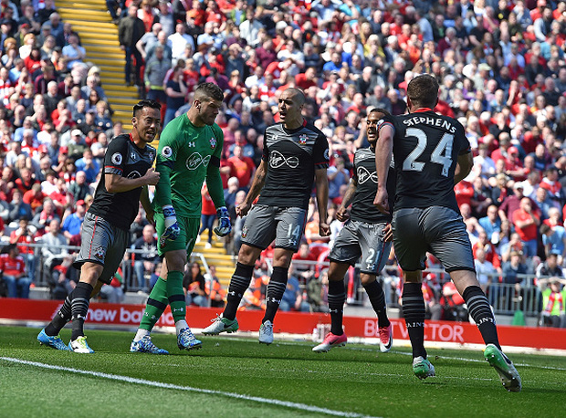 Tottenham vấp ngã trong cuộc đua vô địch vì thủ thành West Ham - Ảnh 8.