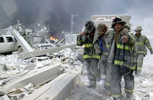 Dù đã 16 năm trôi qua thế nhưng câu chuyện về những nhân vật anh hùng trong vụ khủng bố 11/9 vẫn khiến hàng triệu người bật khóc - Ảnh 13.