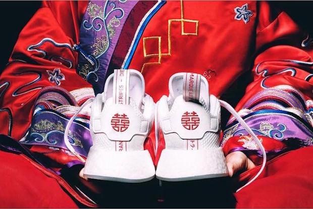 """Cả thế giới ra đây mà xem, adidas sắp bán giày cưới """"song hỷ"""" rồi đây này"""