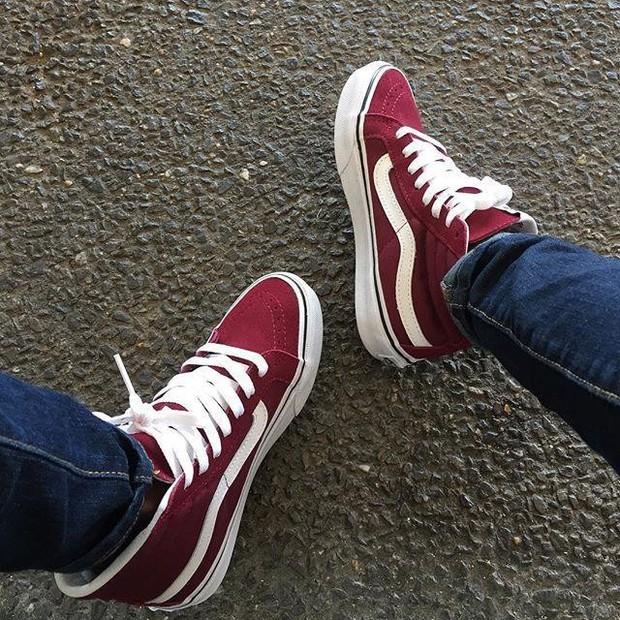 Tết phải sắm ngay vài đôi giày đỏ như thế này mới chất - Ảnh 10.